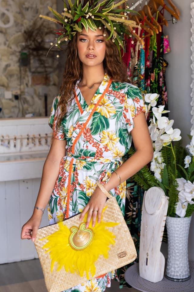 Femme avec une robe Angélina's Crochet